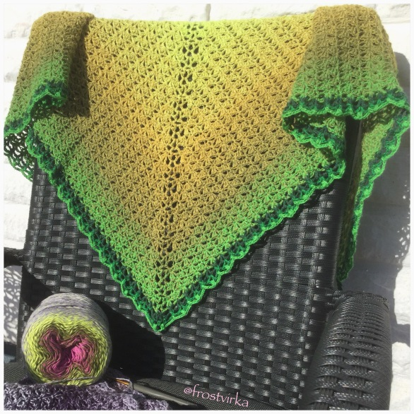 Small shawl made in Whirl Key Lime Pi.
